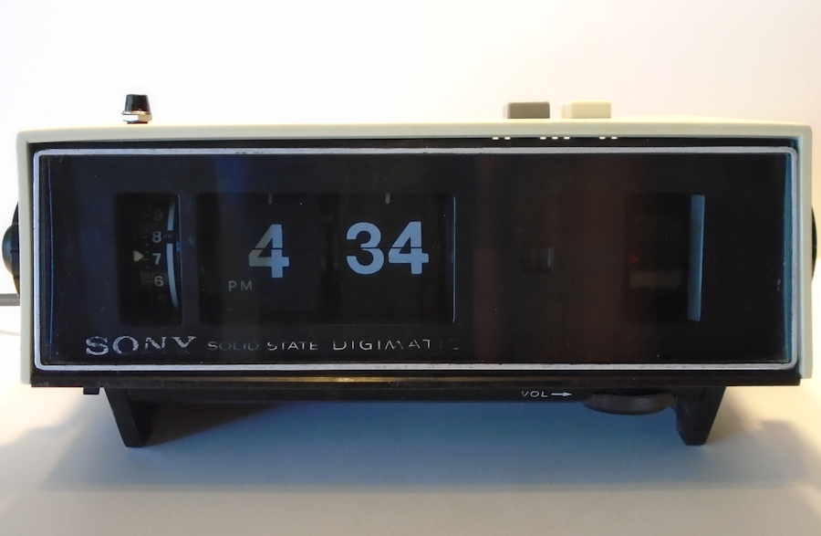 sony digimatic flip digital clock am radio alarm kk collectibles. Black Bedroom Furniture Sets. Home Design Ideas