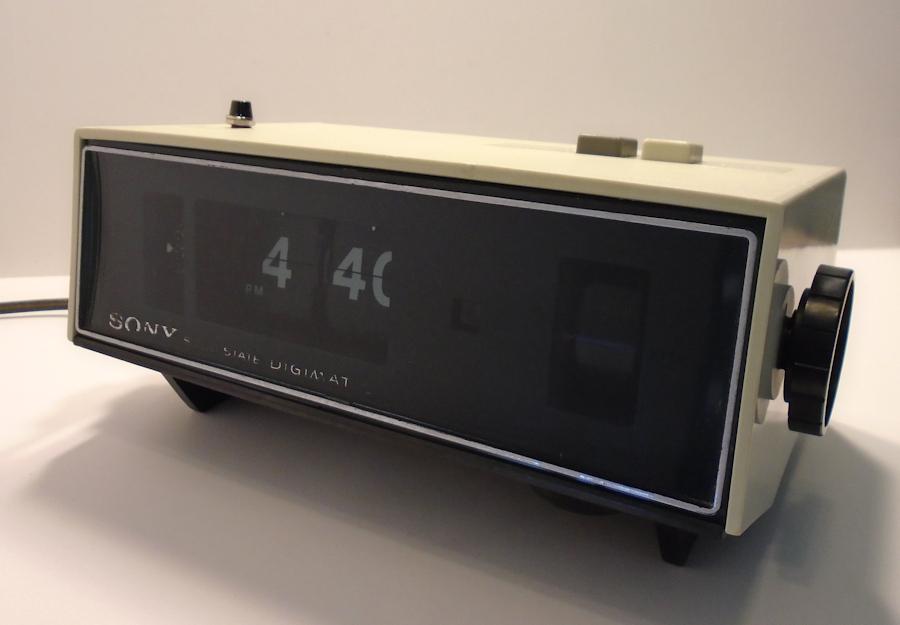sony digimatic flip digital clock am radio alarm kk collectibles. Black Bedroom Furniture Sets. Home Design Ideas